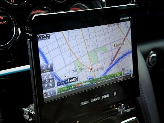 カロッツェリアのインダッシュモニター(収納式)のHDDナビとETC、そして便利なバックカメラも装備。 もちろんデジタルTVも視聴できます。