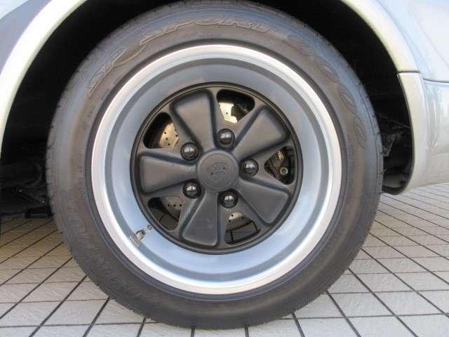 タイヤの山は充分あります