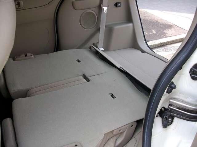 収納式リアシート車で大容量の荷物も入り便利!