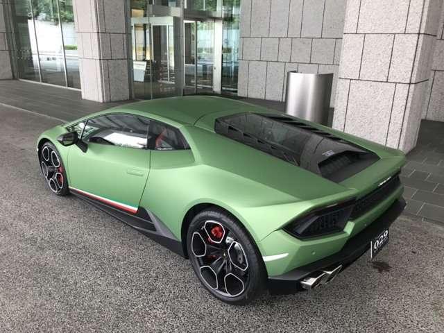 セキュリティの問題や商談で、弊社東京ガレージに車両がある事がありますので、ご依頼店の際は、是非、お問い合わせください!