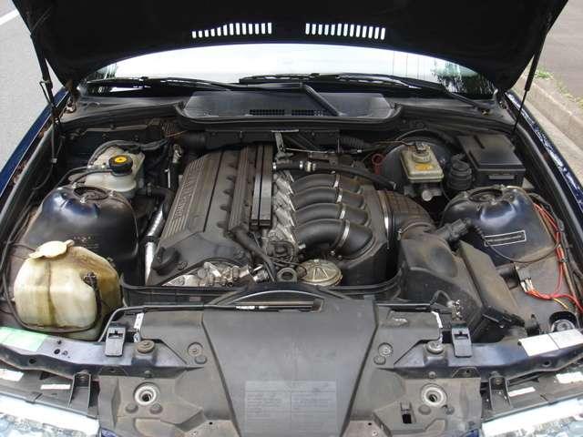 エンジン、ミッションM3C載せ替え、内装品、外装品も全て純正M3部品交換済み、天張りアルカンターラ張替済み、足廻りアルピナB3純正交換、6MT、サンルーフ、記録簿全て有り、スペアキー完備、構造変更済