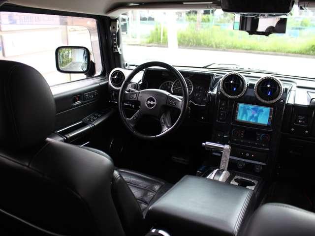ドライブレコーダーの取り付け、モニターの増設、追加やオーディオ各種カスタムも承っております。