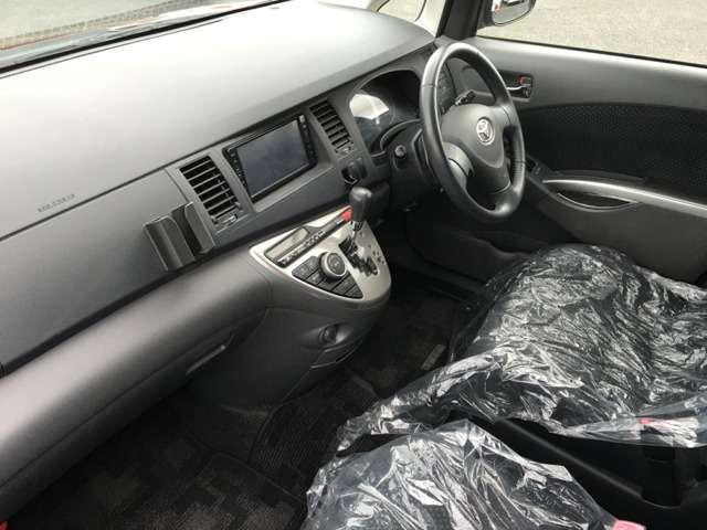 トヨタ アイシス 2.0 プラタナ 中古車在庫画像13