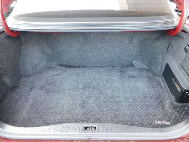 ★荷室も広く荷物もいっぱいつめます!