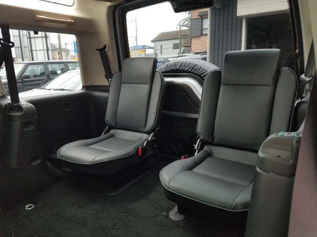 3rdシートは通常通り装備されておりますが、4名登録のためご使用になられません。