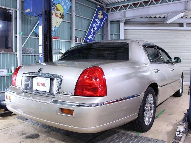 低くて広くて長い。これがカッコ良さの基本。写真・説明は当店ホームページhttp://www.importcars.jp/でもご覧頂けます。