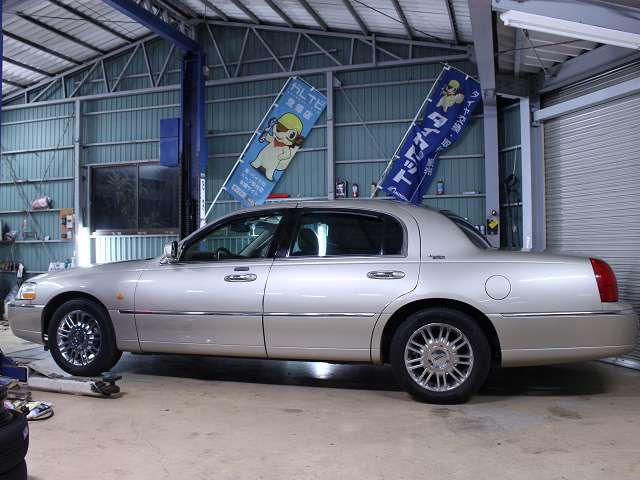 5メートル50センチです。写真・説明は当店ホームページhttp://www.importcars.jp/でもご覧頂けます。