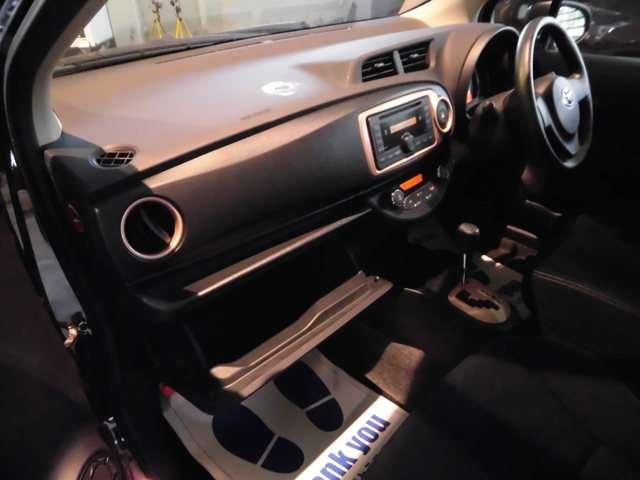 トヨタ ヴィッツ 1.3 F シエル 4WD 中古車在庫画像15