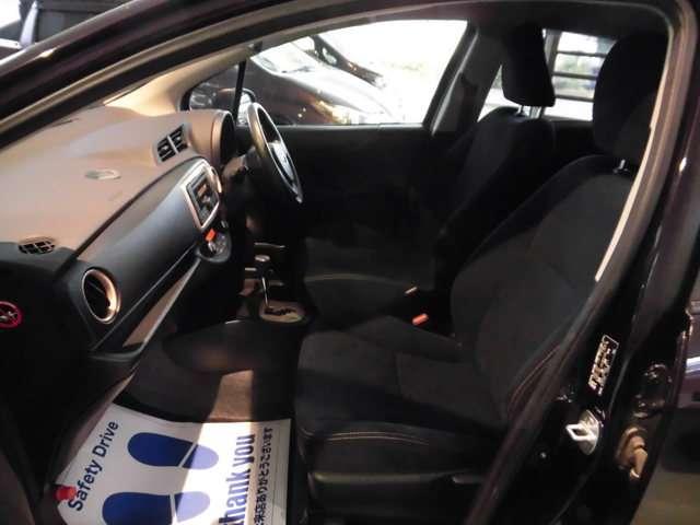 トヨタ ヴィッツ 1.3 F シエル 4WD 中古車在庫画像16