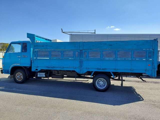 トラック業界での長年の経験をもとに、車両のご案内やお見積り、架装のご相談や引き渡しまでの手配等、丁寧にご対応させていただきます。