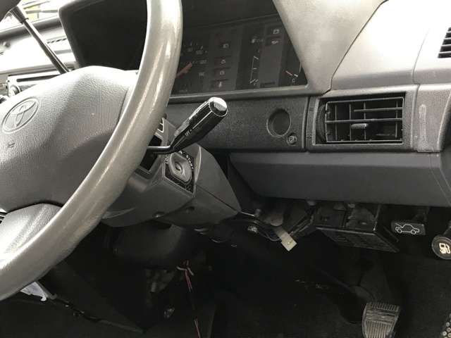 ★なかなか他では見ない車に仕上がっています。一度ご覧いただくとそのかっこ良さが伝わりますよ。是非、見に来てください★